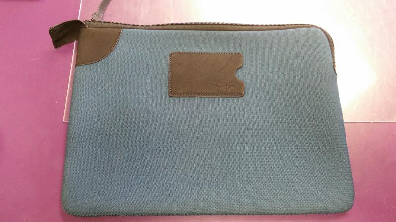 TARGUS ONE CLOUDBOOK/SMALL LAPTOP COVER/CASE