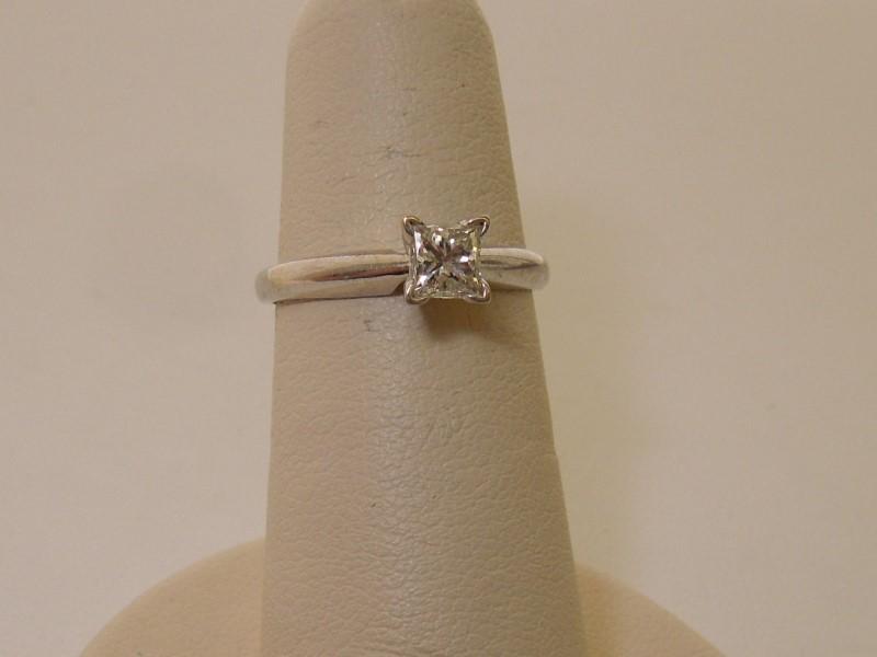 Lady's Diamond Engagement Ring .43 CT. 14K White Gold 2g Size:4