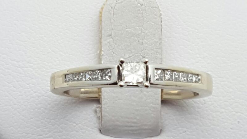 Lady's Diamond Engagement Ring 13 Diamonds .30 Carat T.W. 14K White Gold 3.6g