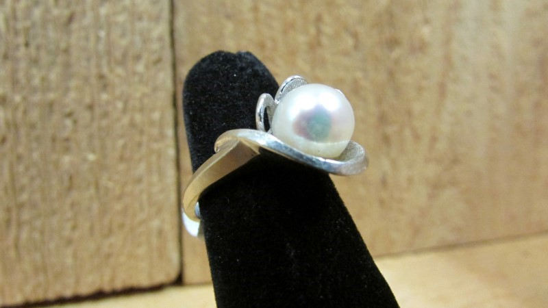 Synthetic Pearl Lady's Stone Ring 14K White Gold 4g Size:5.5