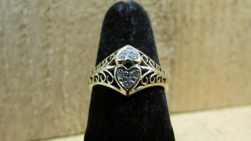 Lady's Diamond Fashion Ring 6 Diamonds 0.06 Carat T.W. 10K Yellow Gold 2.2g