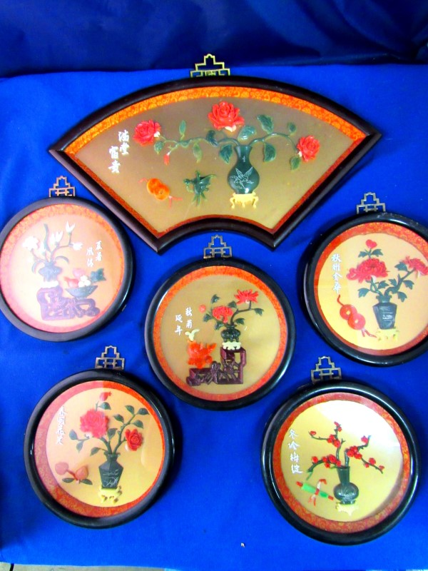 VINTAGE CELLULOID ORIENTAL SHADOW BOX JADE & CORAL ART