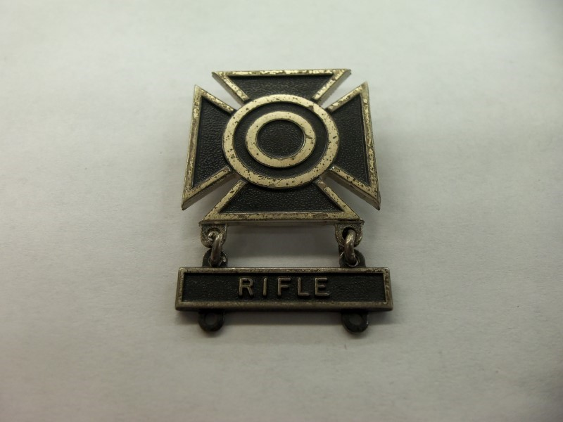 WWII RIFLE BADGE STERLING