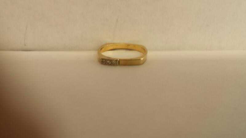 Gent's Gold-Diamond Wedding Band 3 Diamonds .03 Carat T.W. 14K Yellow Gold