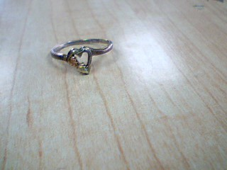 Lady's Gold Ring 10K Yellow Gold 1.3g Size:6