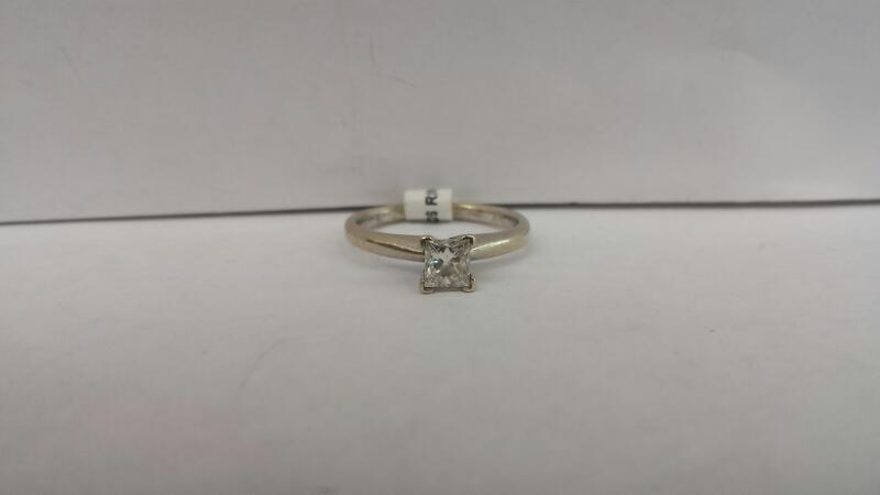 Lady's Diamond Engagement Ring .40 CT. 14K White Gold 1.4dwt Size:5.5
