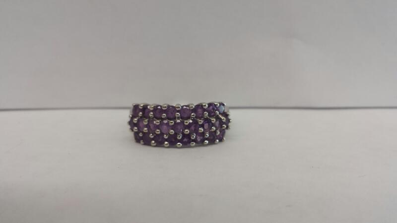 10k White Gold Ring with 25 Purple Stones