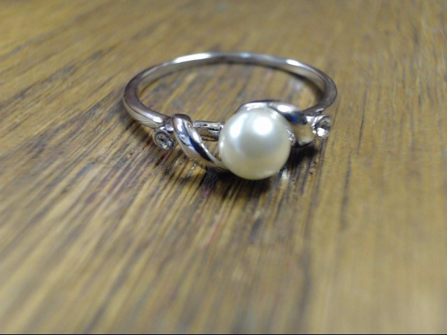 Synthetic Pearl Lady's Stone Ring 10K White Gold 0.9g