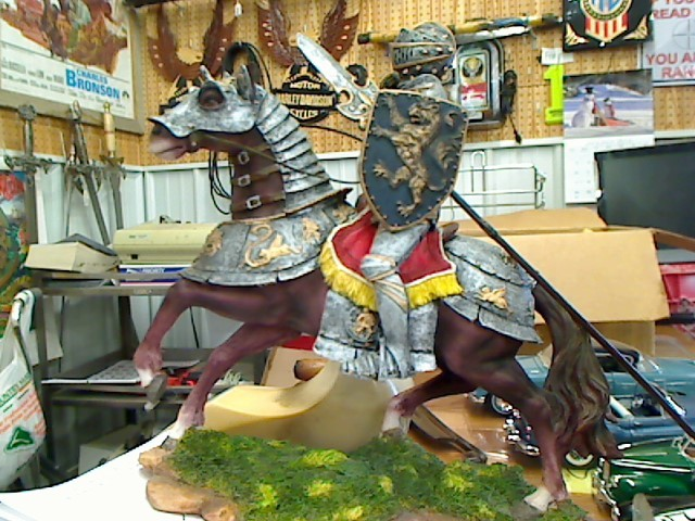 """SUMMIT COLLECTIONS Collectible Plate/Figurine 7"""" KNIGHT"""