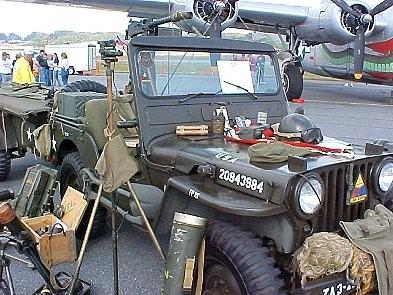 WORLD WAR II MEMORIBILLA HAT BAG SHOVEL FLARE