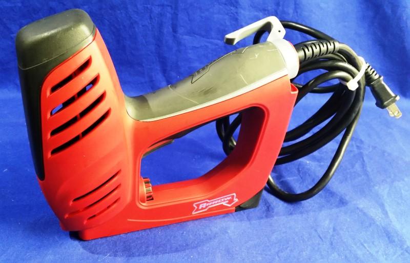 ARROW FASTENER Nailer/Stapler ET50RED
