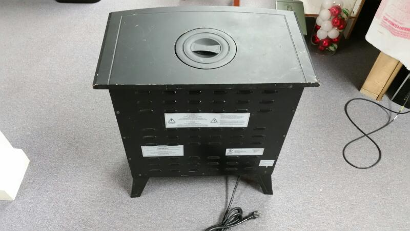 CHARMGLOW HEATER HBL-155DLP/M20 FREE STANDING ELECTRIC FIREPLACE