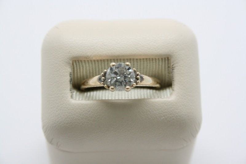 LADY'S 0.96CTW DIAMOND SOLITAIRE 10K YELLOW GOLD