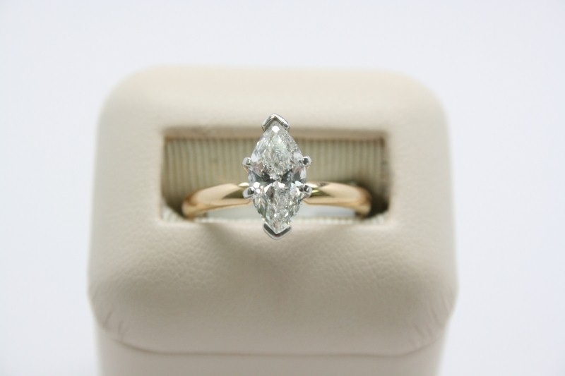 LADY'S MARQUISE CUT DIAMOND SOLITAIRE RING 14K YELLOW GOLD
