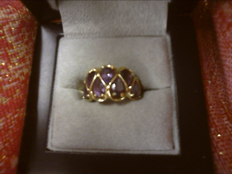 14K YELLOW GOLD RING W/ SEVEN PEAR SHAPE AMETHYST SIZE: 6