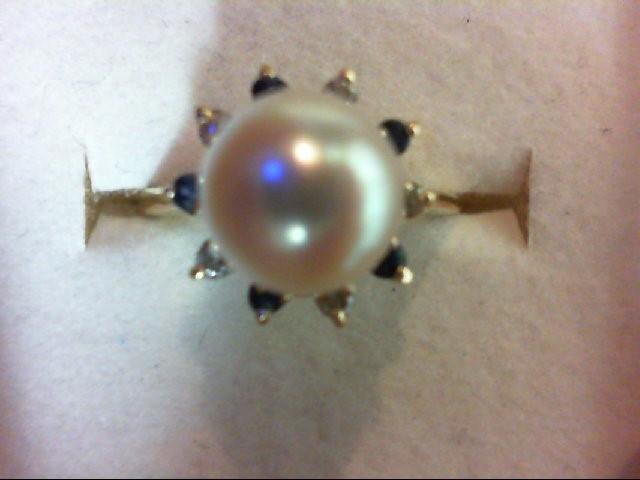 Pearl Lady's Stone & Diamond Ring 5 Diamonds 0.05 Carat T.W. 14K Yellow Gold 7.6