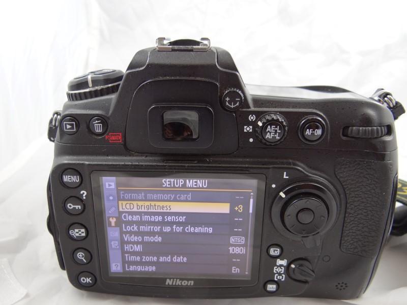 NIKON Digital Camera D300S WITH AF-S NIKKOR 18-200MM 1.3.5-5.6  LENS