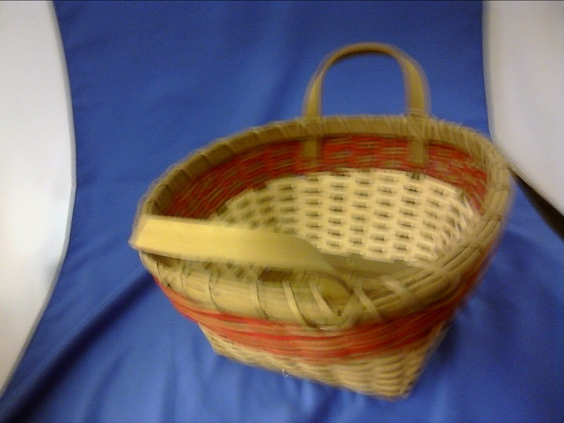 MISC HOUSEHOLD MISC USED MERCH MISC USED MERCH; BASKET WITH RED AND TAN