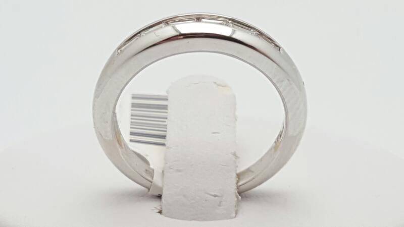 Lady's Diamond Fashion Ring 6 Diamonds 0.32 Carat T.W. 18K White Gold 5.3g Size: