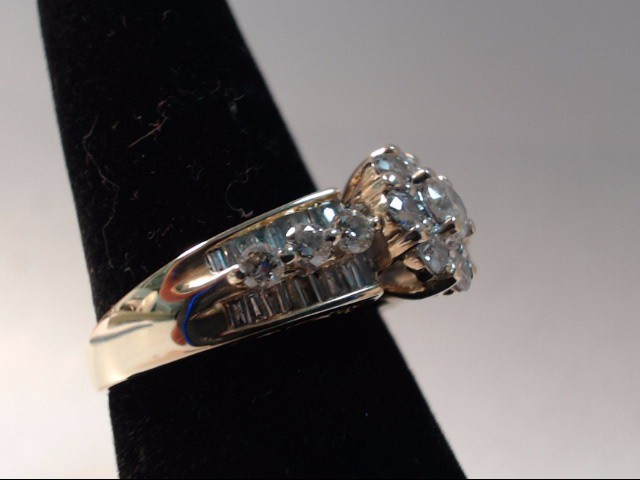 DIAMOND FASHION RING 46 Diamonds 2.00 Carat T.W. 14K Yellow Gold 6.53g
