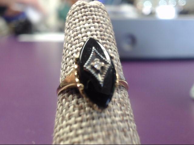 Onyx Lady's Stone & Diamond Ring .01 CT. 10K Yellow Gold 1.6g Size:5.3