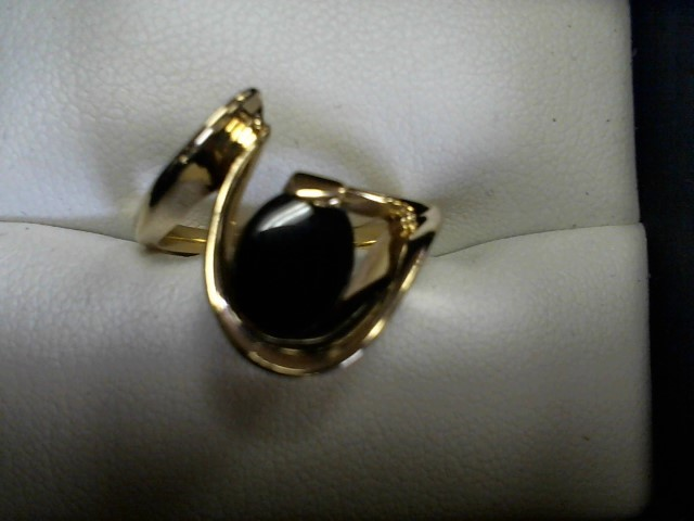 Synthetic Onyx Lady's Stone Ring 14K Yellow Gold 4.8g