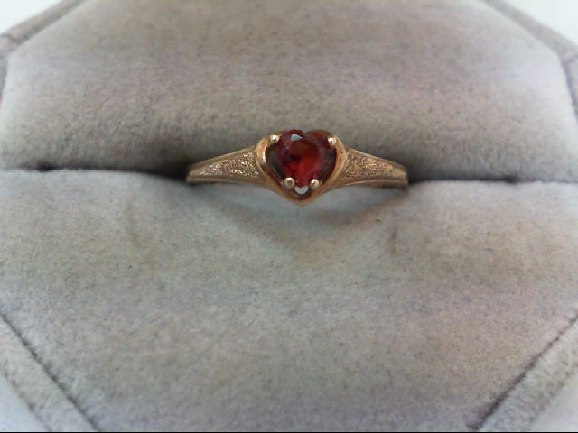 Lady's Gold Ring 10K Yellow Gold 1.1g