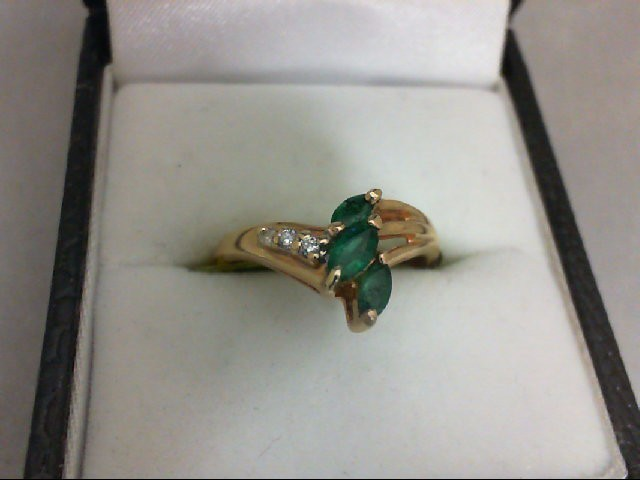 Emerald Lady's Stone & Diamond Ring 3 Diamonds 0.03 Carat T.W. 14K Yellow Gold 2