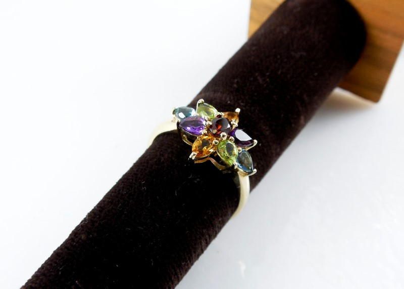 Lady's Ring 10K Yellow Gold Size:8