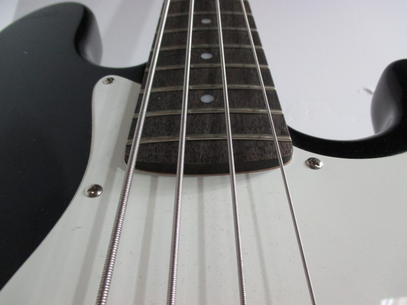 FENDER Bass Guitar SQUIER J BASS