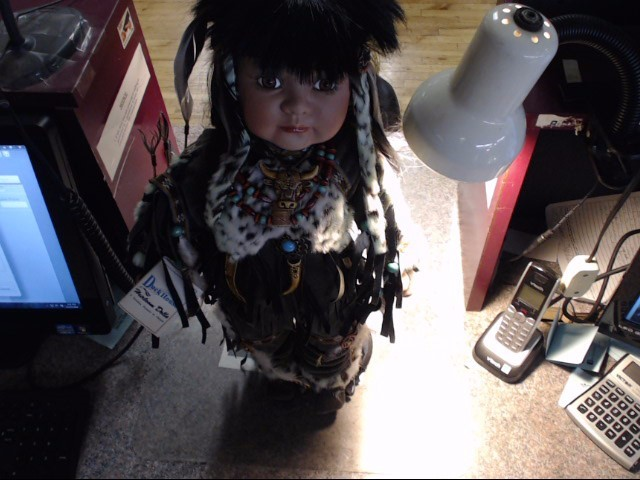 DUCKHOUSE HEIRLOOM COLLECTIBLE DOLL.NATIVE AMERICAN  NUMBER 0620/5000