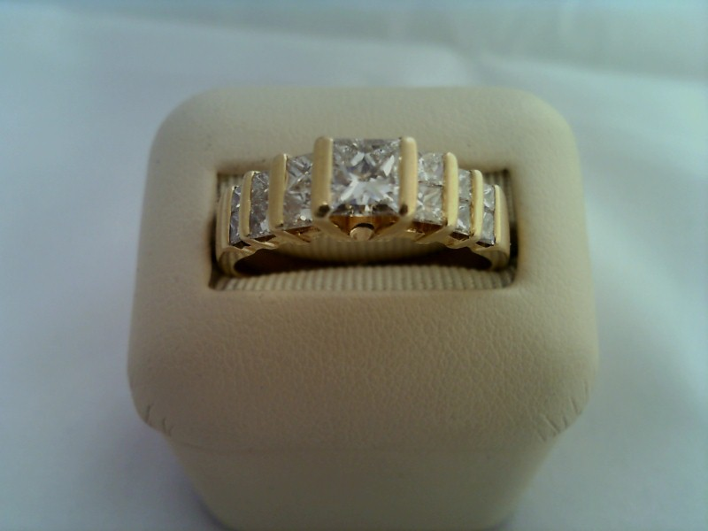 LADY'S PRINCESS CUT DIAMOND RING