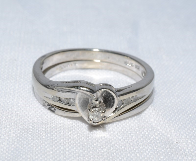 10K White Gold Heart Diamond Engagement Wedding Ring Set Size: 7