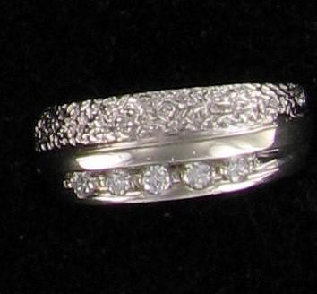 Lady's Diamond Wedding Band 5 Diamonds .25 Carat T.W. 10K White Gold 5dwt