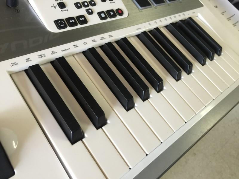 M-Audio Axiom AIR 25 MIDI Controller | Musician's Friend