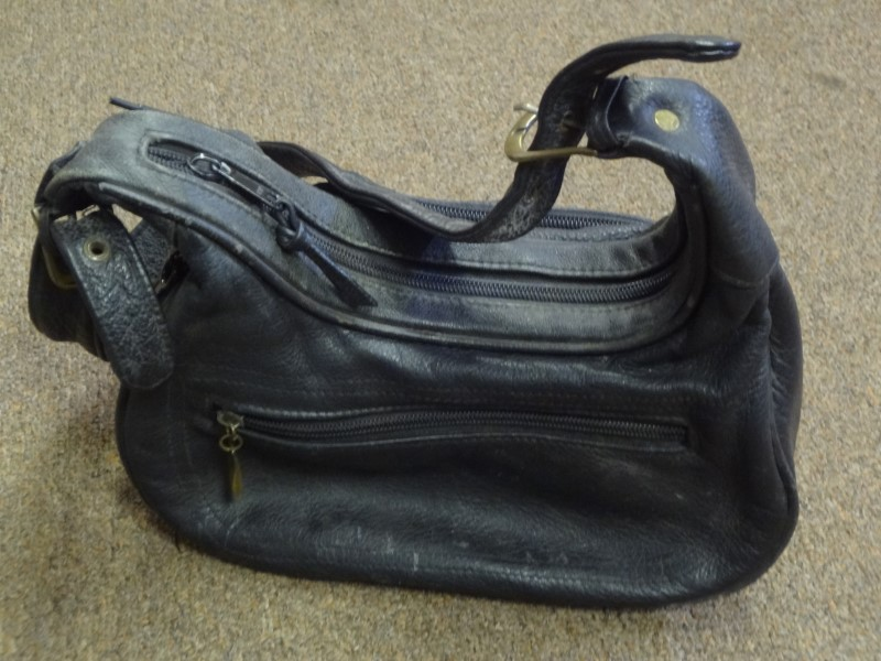 BLACK CONCEAL CARRY WOMENS PURSE