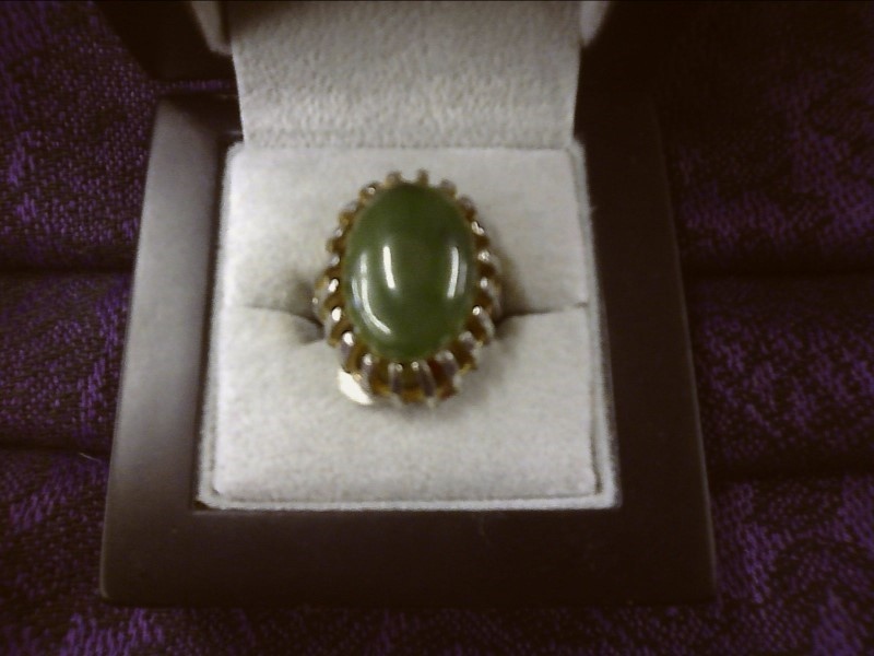 SILVER TONE RING WITH LARGE GREEN STONE SIZE: 7