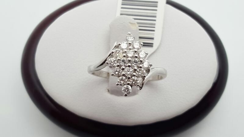 Lady's Diamond Fashion Ring 16 Diamonds 0.69 Carat T.W. 18K White Gold 2.9g Size