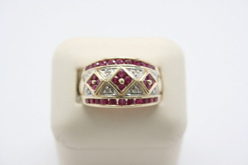 LADY'S DIAMOND & RUBY RING 10K YELLOW GOLD