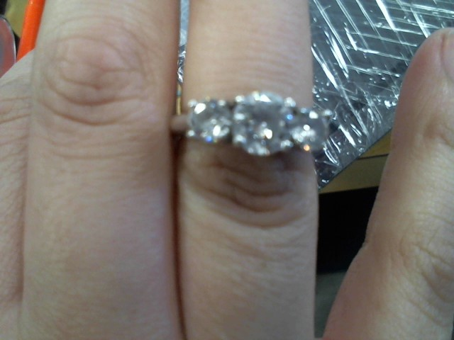 Synthetic Cubic Zirconia Lady's Silver & Stone Ring 925 Silver 3.9g
