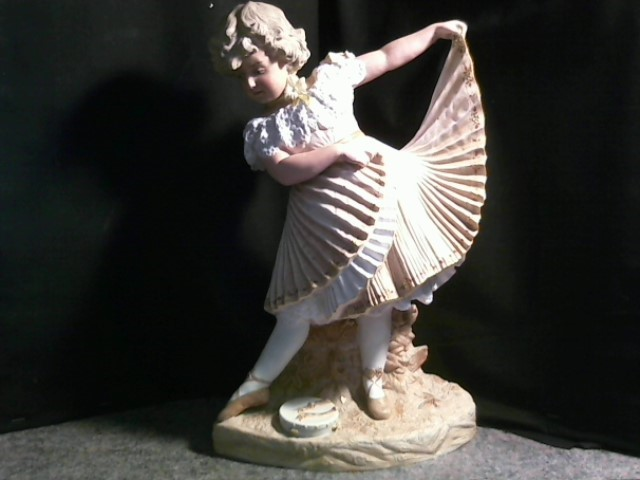 HEUBACH STATUETTE.MADE IN GERMANY, EARLY 1900'S. BISQUE, HAND PAINTED