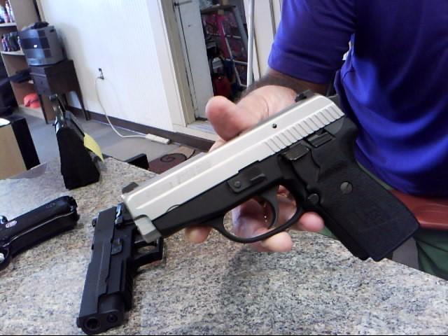 SIG SAUER Pistol P239 SAS