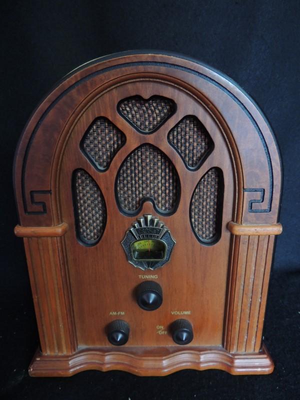 1930s Style Crosley Companion Cathedral AM/FM Radio CR31 Reproduction VGC