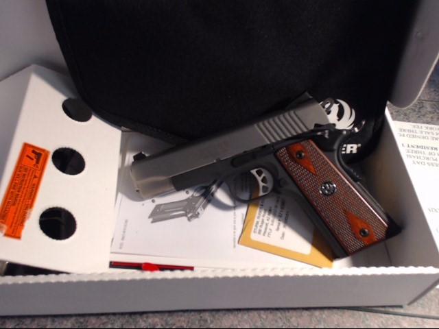 RUGER Pistol SR-1911 COMMANDER LIGHTWEIGHT (6711)