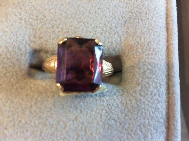 Purple Stone Lady's Stone Ring 10K Yellow Gold 2.5g