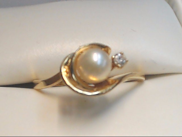 Synthetic Pearl Lady's Stone & Diamond Ring .05 CT. 14K Yellow Gold 1.8g