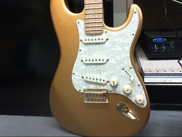 INDIGO Electric Guitar GOLD CUSTOM  STRAT