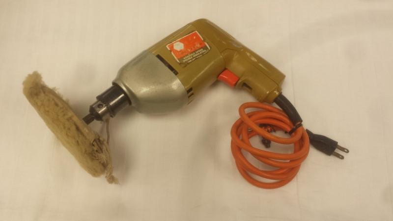 """Black & Decker 7114 3/8"""" Corded Drill w/ Buffing Attachment"""