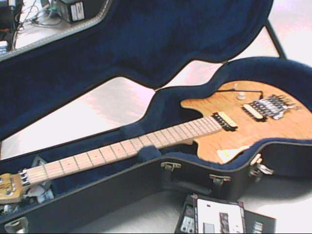 STERLING/MUSIC MAN ELECTRIC GUITAR AX40