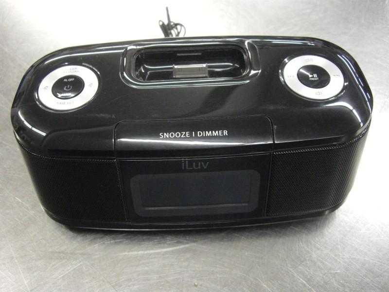 I LUV IPOD/MP3 Accessory IMM153BLK